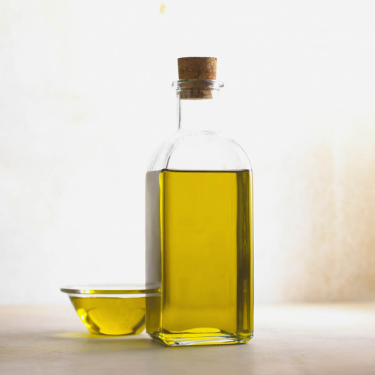 Olive Oil in Bowl and Bottle bxp159819h